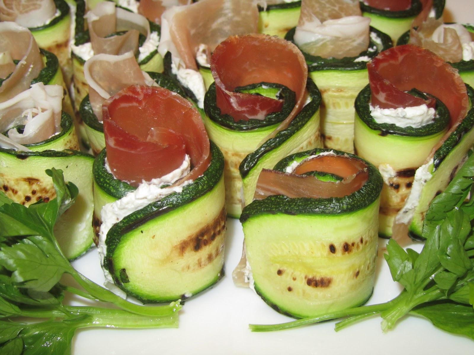 """Cold Italian Appetizers  Cook a bit or a bit of a cook Italian Zucchini """"Sushi"""""""