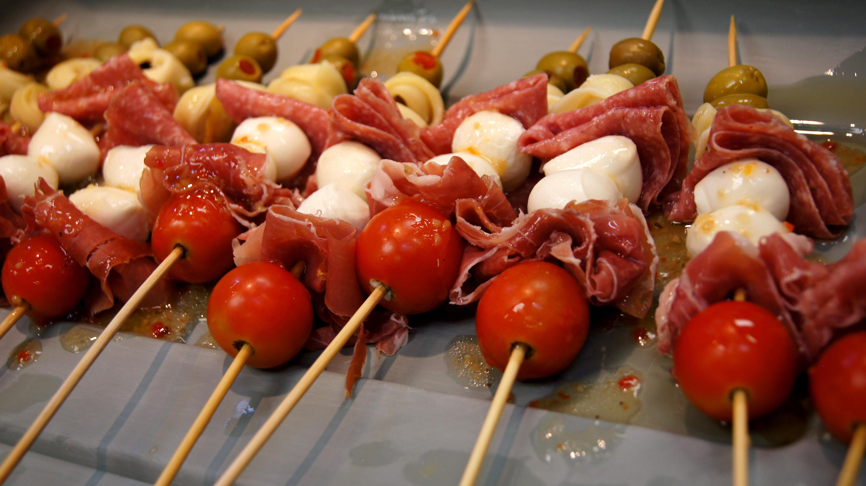 Cold Italian Appetizers  Antipasto Skewers Antipasto Skewer Recipe