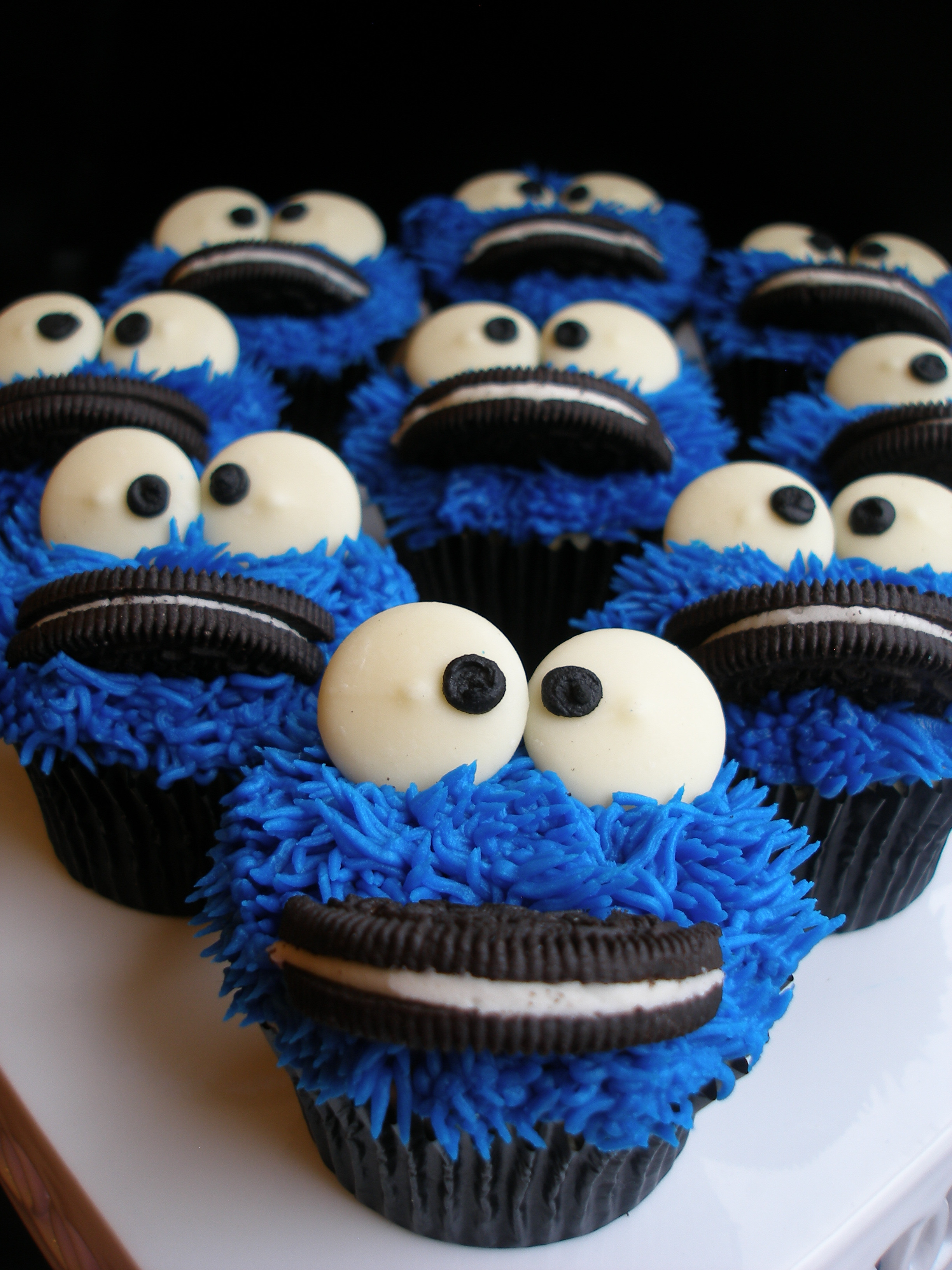 Cookie Monster Cupcakes  DivaLicious Desserts