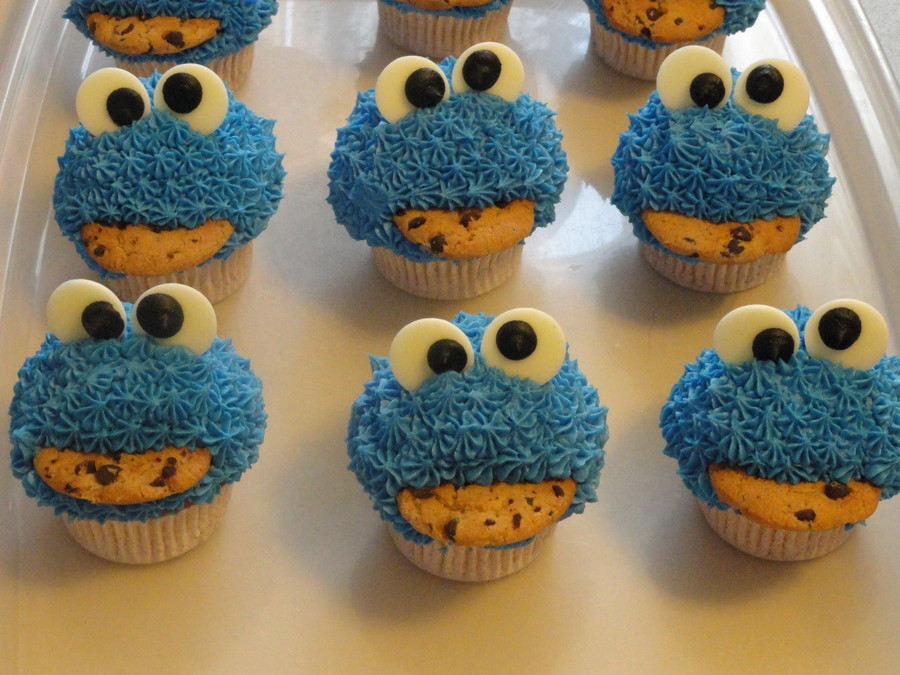 Cookie Monster Cupcakes  Cookie Monster Cupcakes CakeCentral