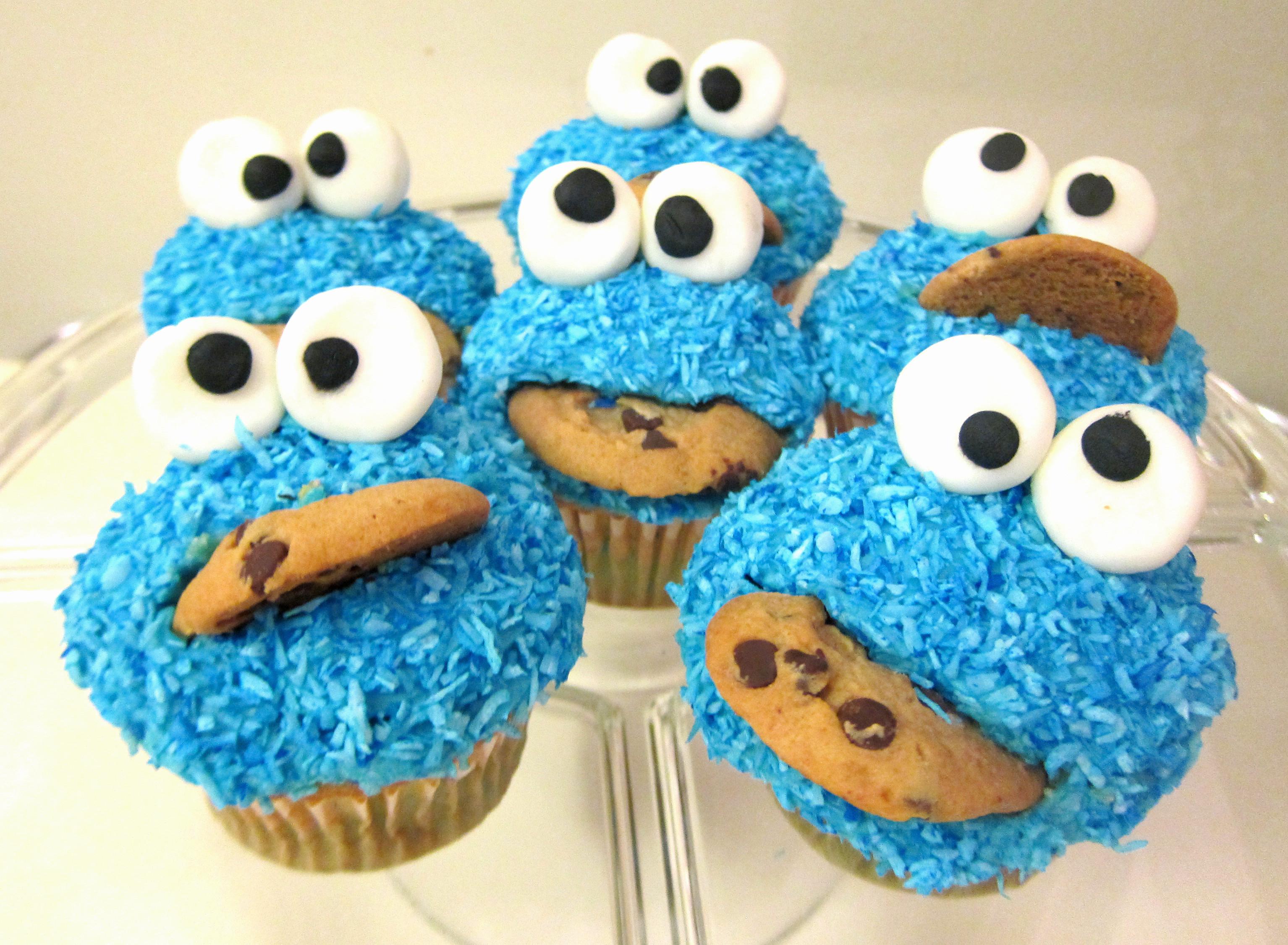 Cookie Monster Cupcakes  Cookie Monster Cupcake Tutorial