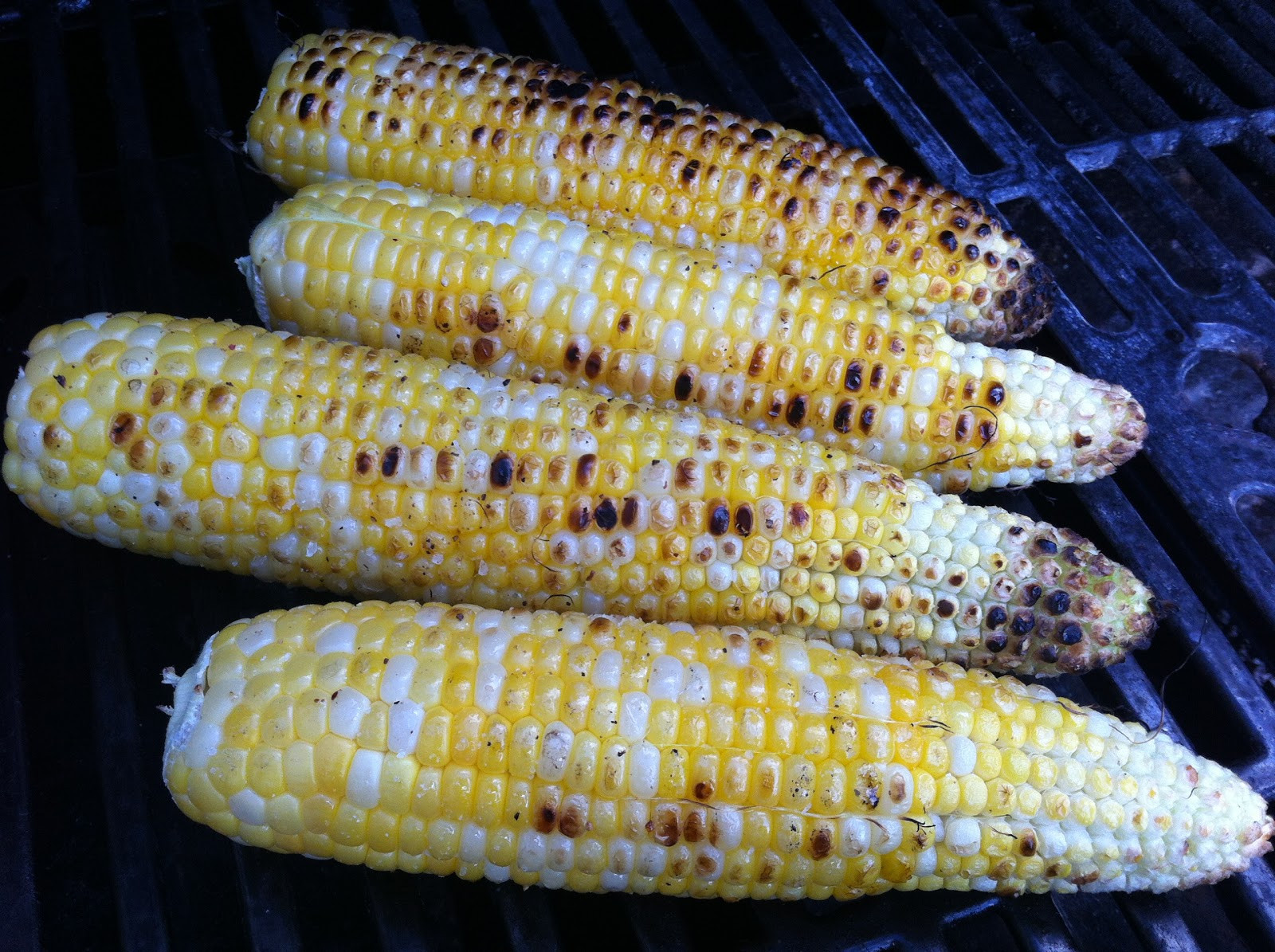 Corn On Cob On Grill  The BEST Way to Cook Corn on the Cob on the Grill NO