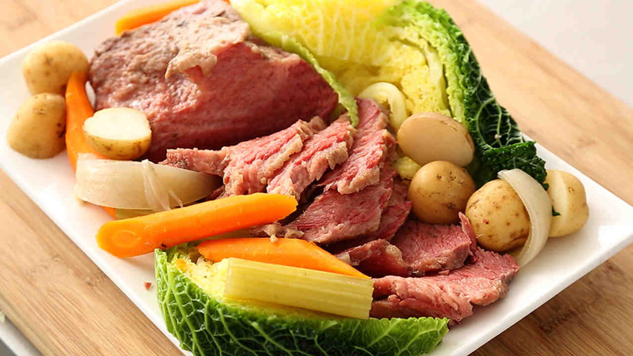 Cornbeef And Cabbage Recipe  boiled corn beef brisket