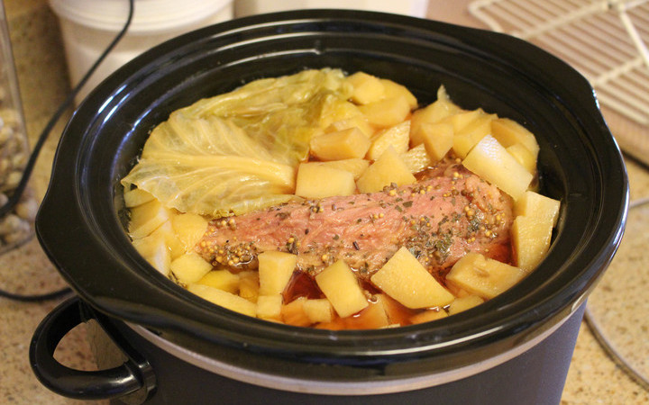 Corned Beef Crock Pot Recipe No Cabbage  Corned Beef And Cabbage Crock Pot Irish Recipe