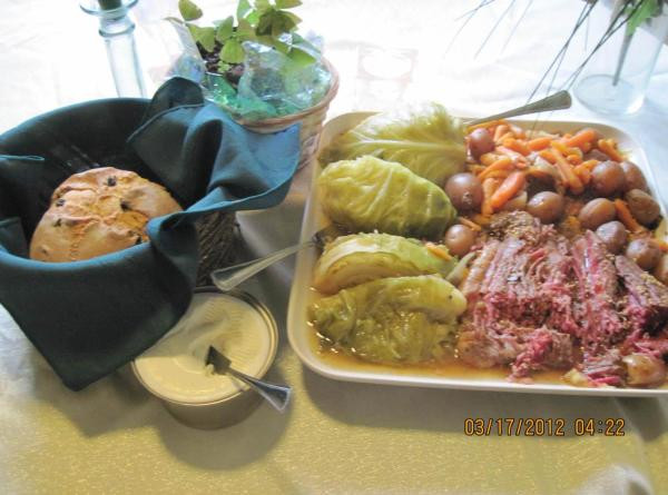 Corned Beef Crock Pot Recipe No Cabbage  Crock Pot Corned Beef And Cabbage Recipe 2