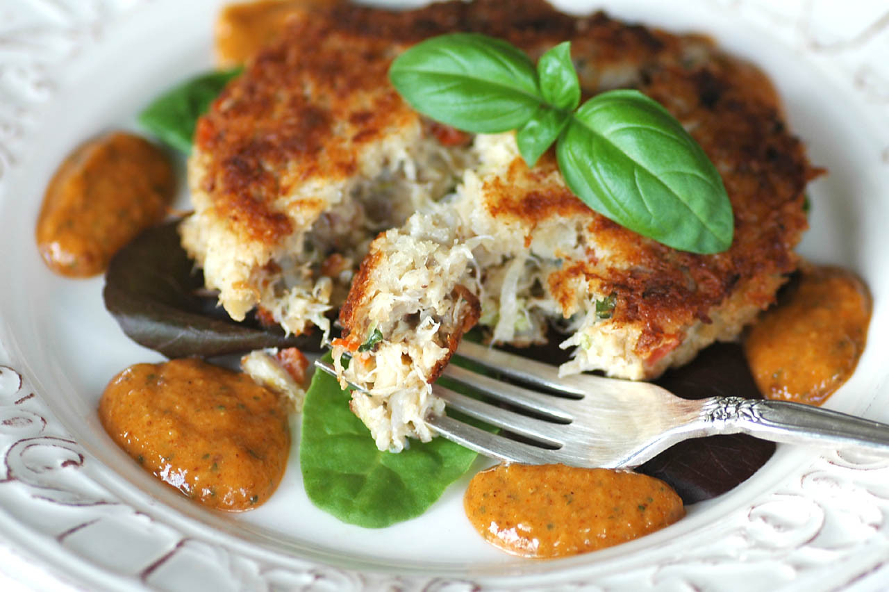 Crab Cakes Sauce  Savoring Time in the Kitchen Crab Cakes with Remoulade Sauce
