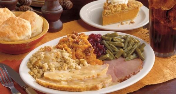 Cracker Barrel Christmas Dinner  Best Chain Restaurants for Thanksgiving Dinner Everybody