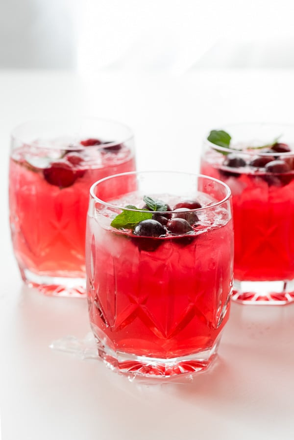 Cranberry Vodka Drinks  Sparkling Cranberry Vodka Punch