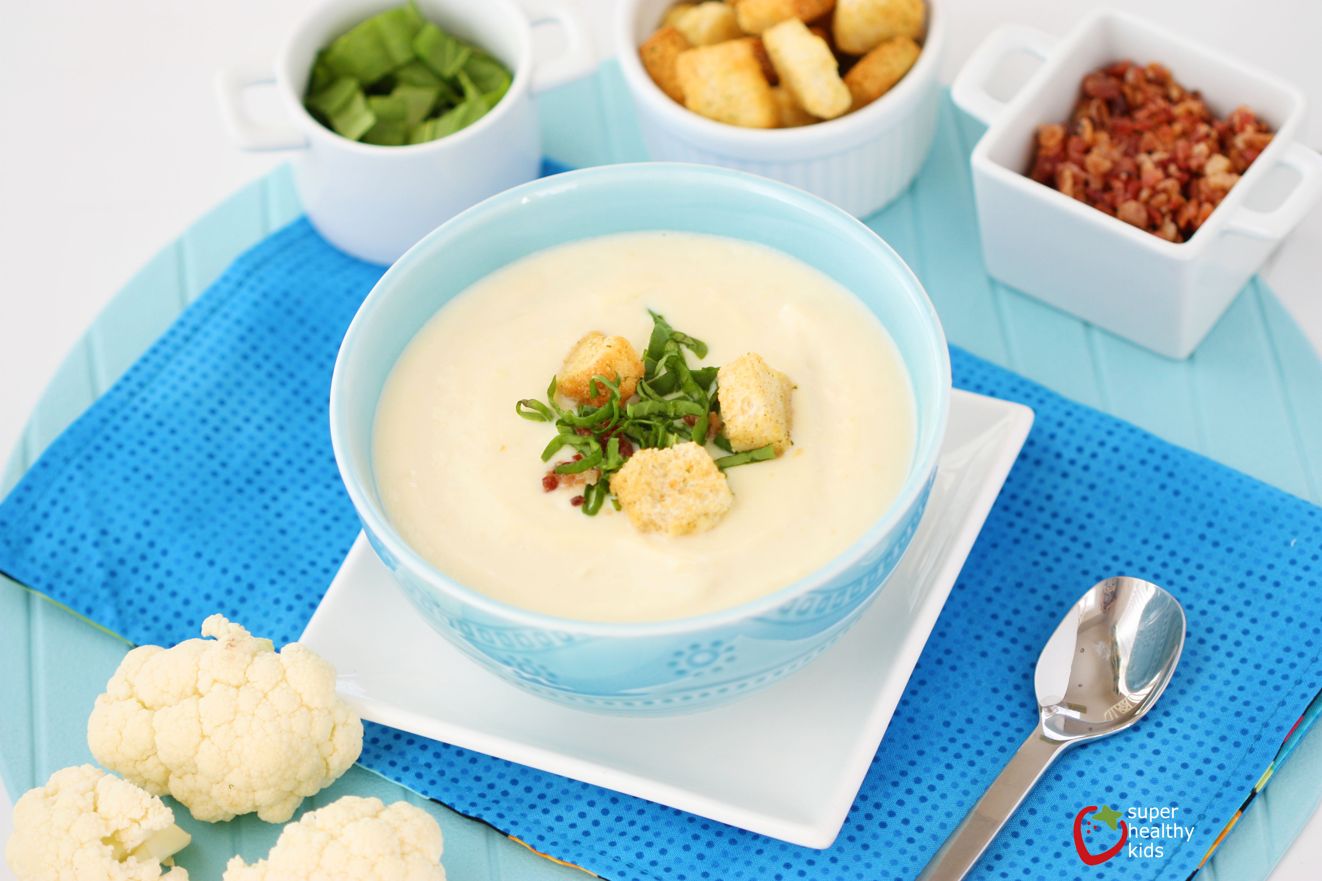Creamy Cauliflower Soup  10 minute creamy cauliflower soup
