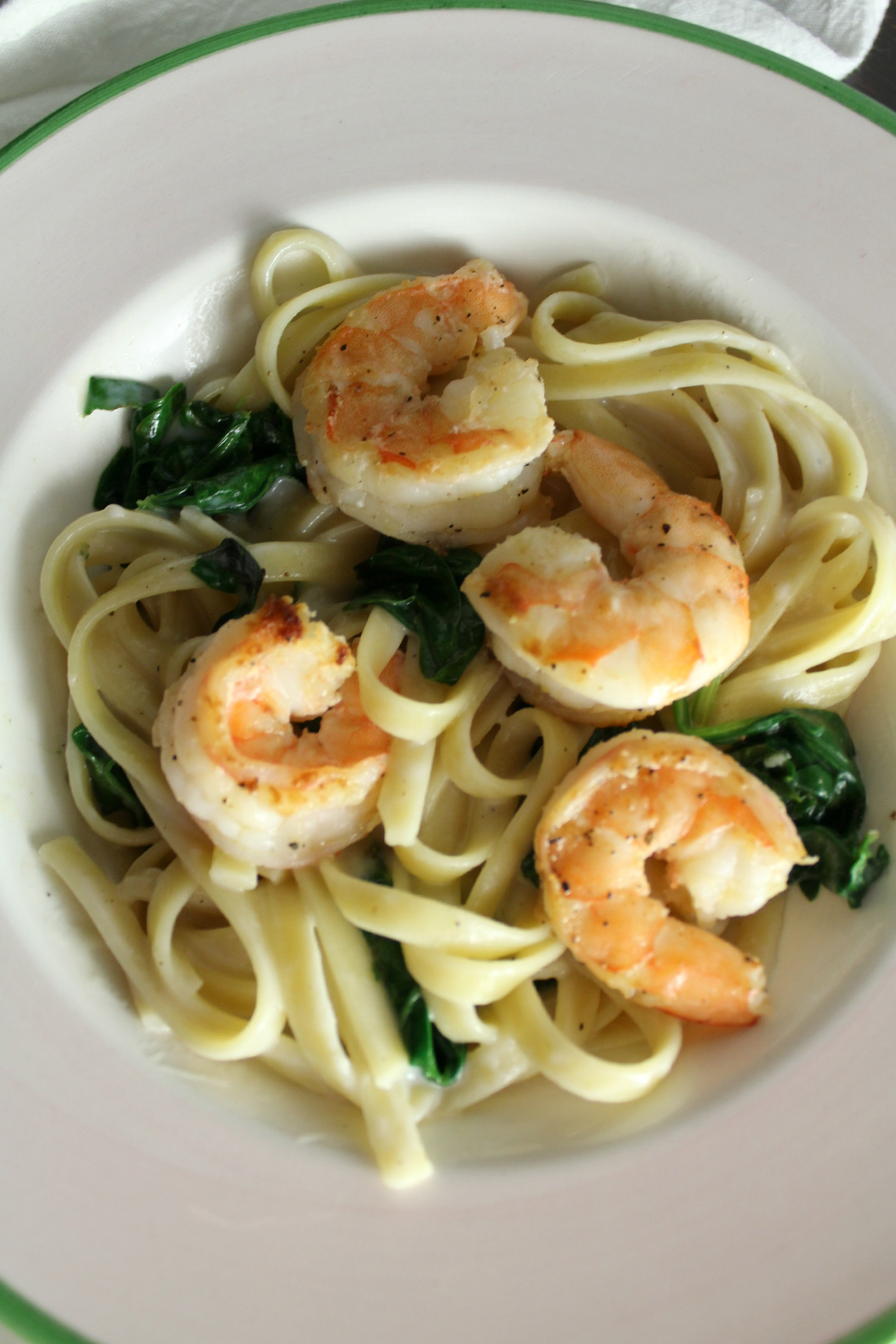 Creamy Garlic Shrimp Pasta  Creamy Garlic Spinach and Shrimp Pasta Petit Foo