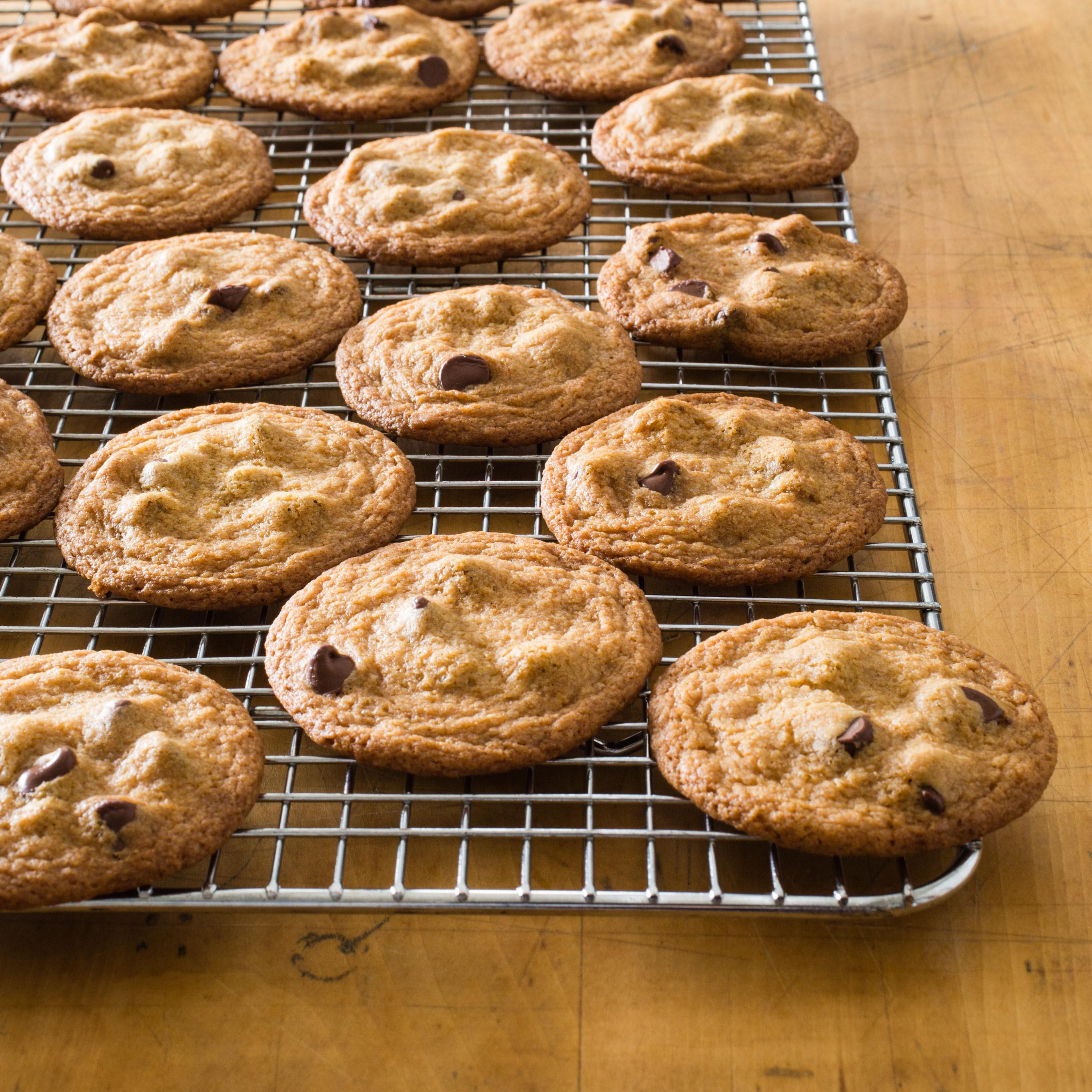 Crispy Chocolate Chip Cookies  Thin Crispy Chocolate Chip Cookies