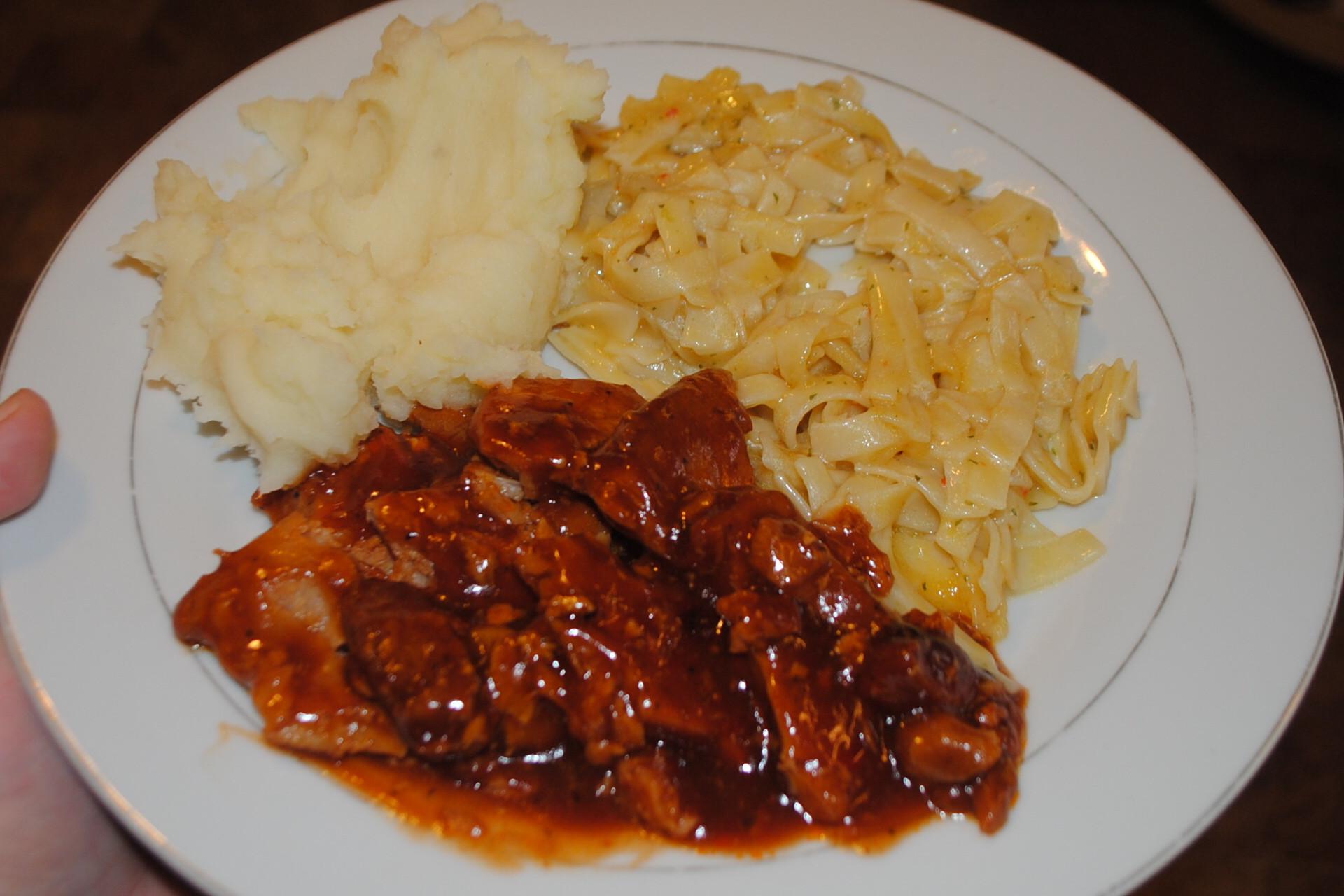 Crock Pot Bbq Pork Chops  MELT IN YOUR MOUTH CROCK POT BBQ PORK CHOPS