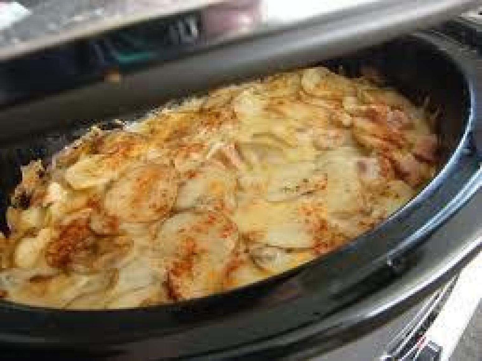 Crock Pot Potato Recipes  Crockpot Scalloped Potatoes & Ham Recipe