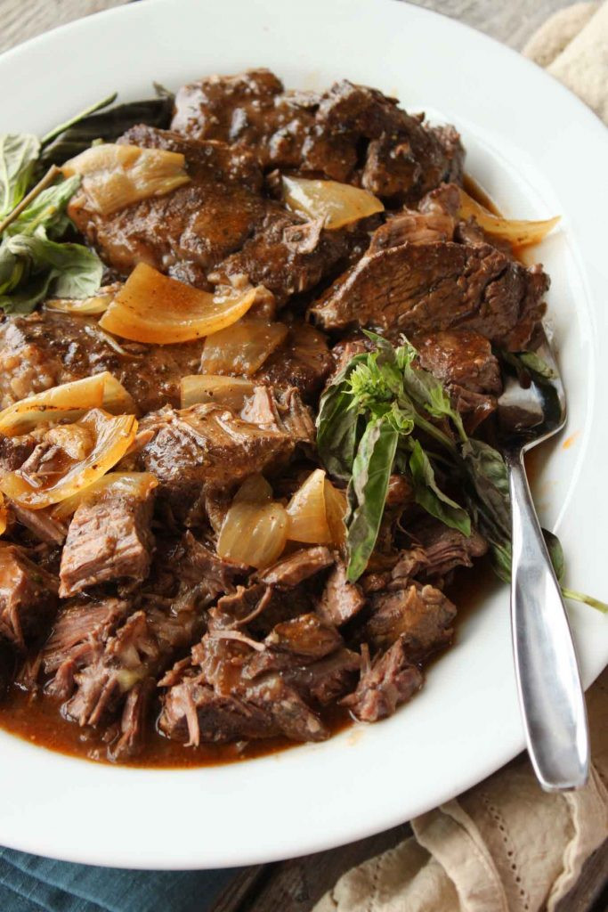 Crockpot Beef Short Ribs  15 Slow Cooker Meals to Get Your Dinner on Fast