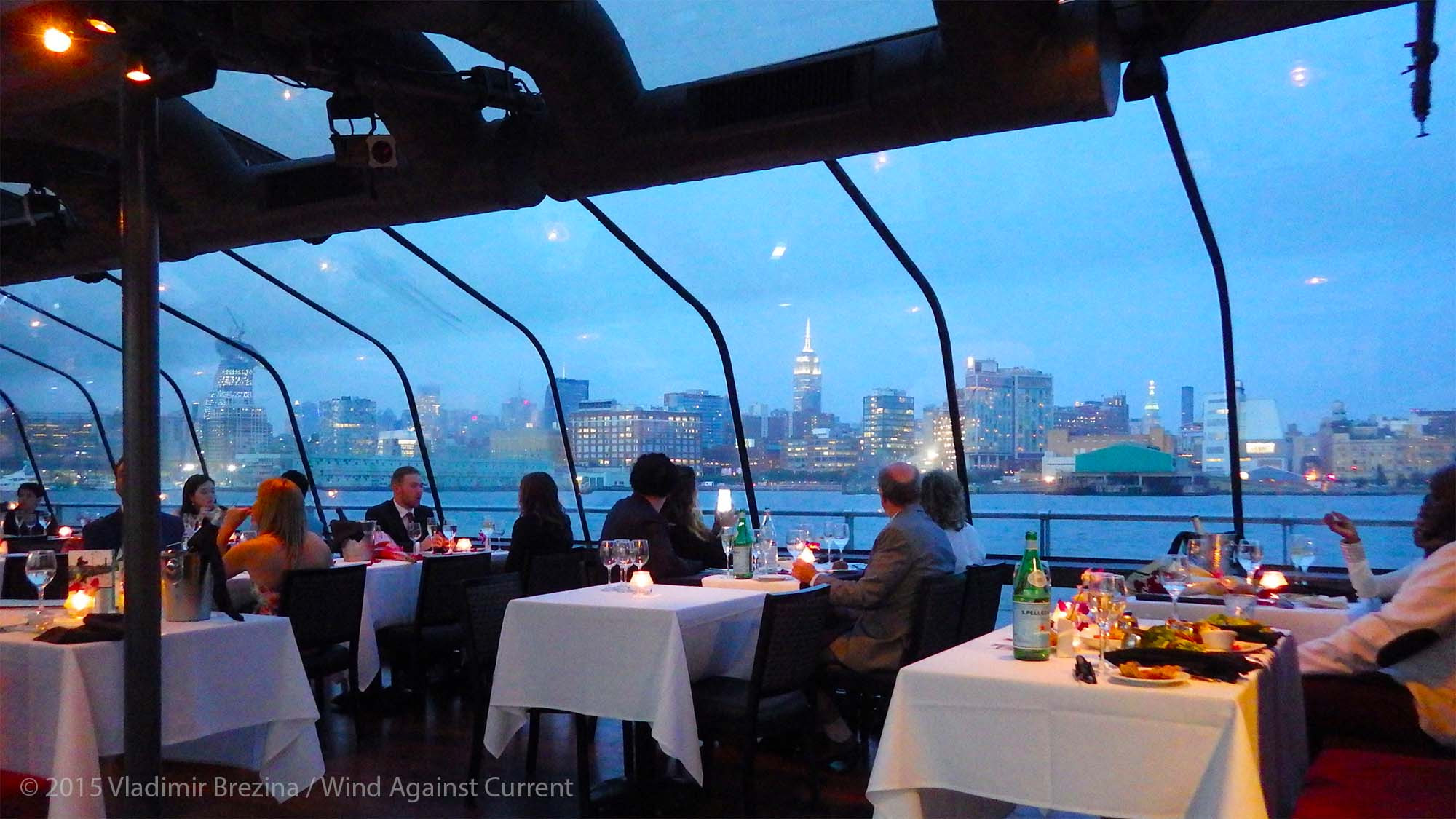 Cruise Dinner Nyc  Bateaux New York
