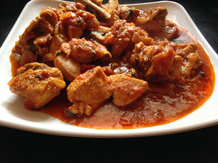 Curry Chicken With Onion  Tomato Chicken Curry Yummy Indian Kitchen