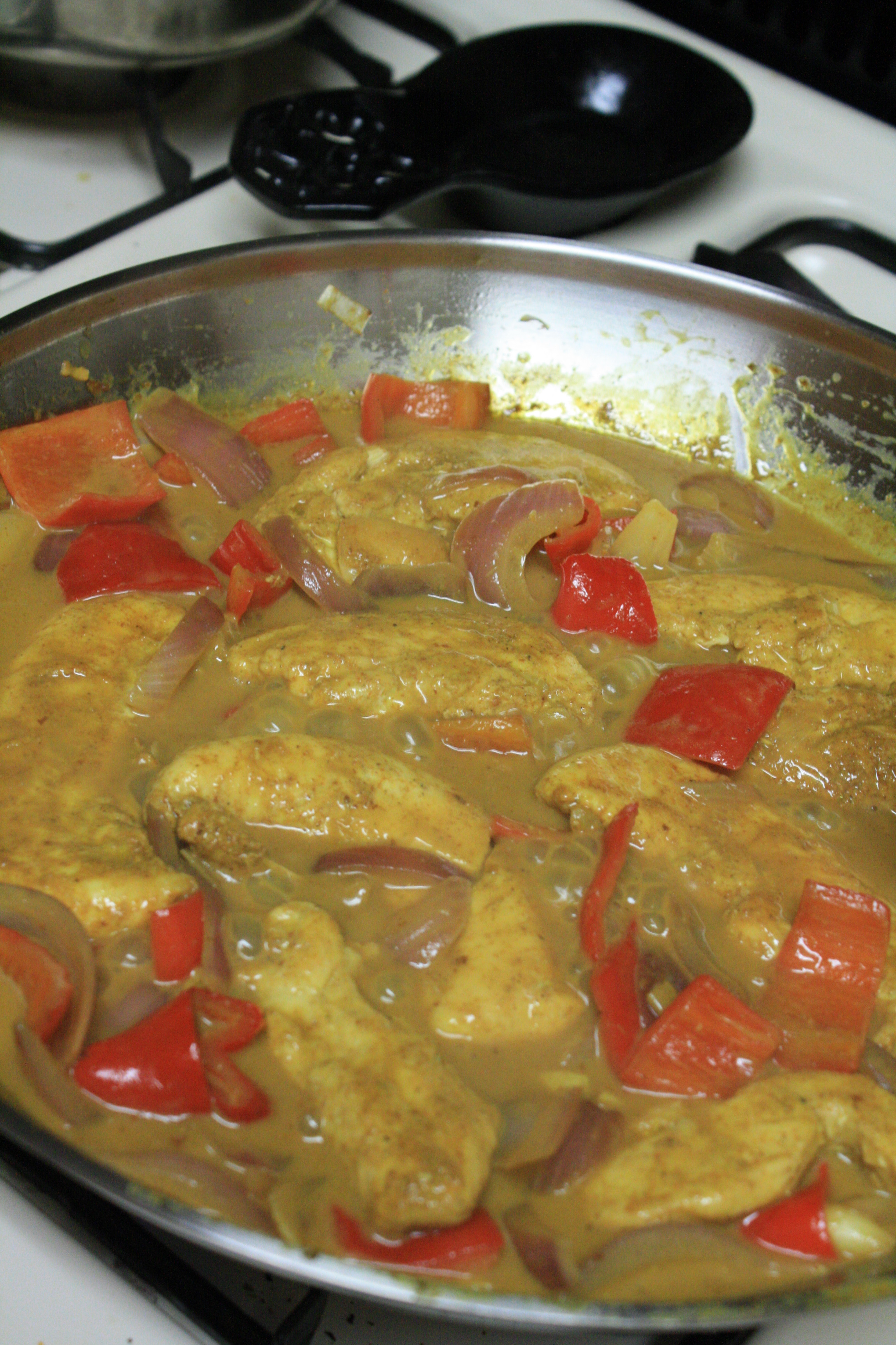 Curry Chicken With Onion  Chicken Curry with ions and Peppers