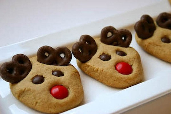 Cute Christmas Cookies  15 Delicious Winter Wedding Desserts