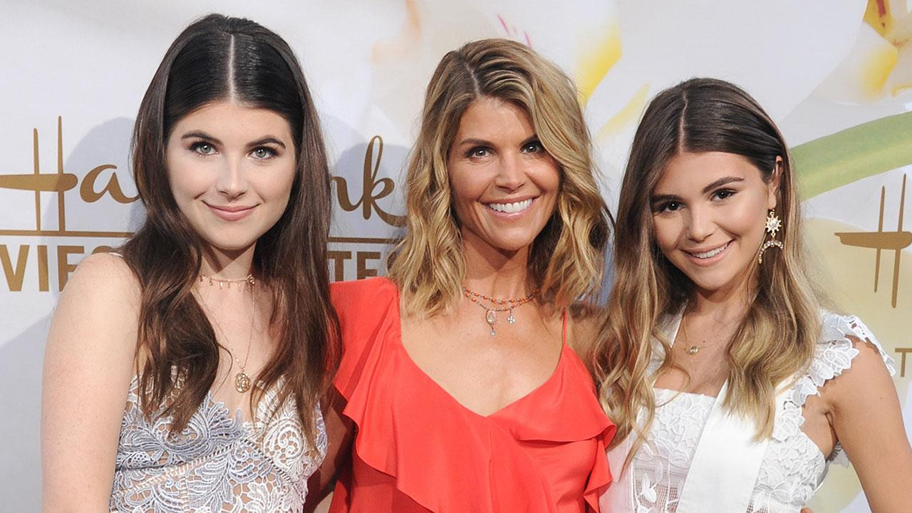 Daughter For Dessert Ch 7  Lori Loughlin Hits the Red Carpet With Look Alike