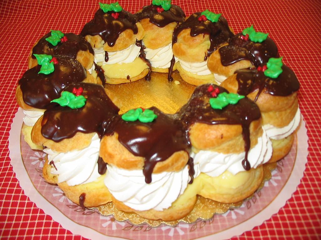 Dessert For Christmas  25 Delicious Christmas Desserts