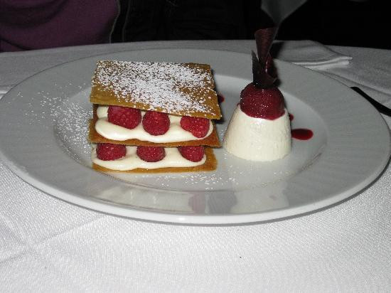 Dessert Places In Las Vegas  dessert framboise Picture of Eiffel Tower Restaurant at