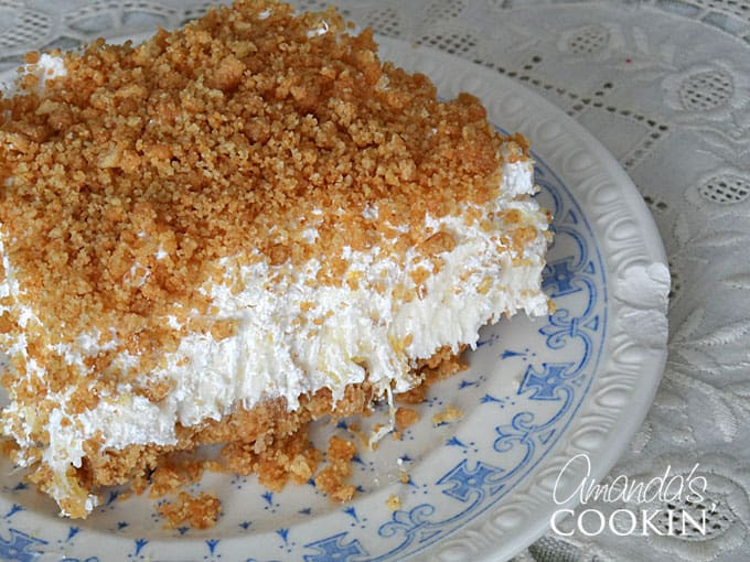 Dessert With Crushed Pineapple And Cool Whip  pineapple cool whip dessert graham cracker crust
