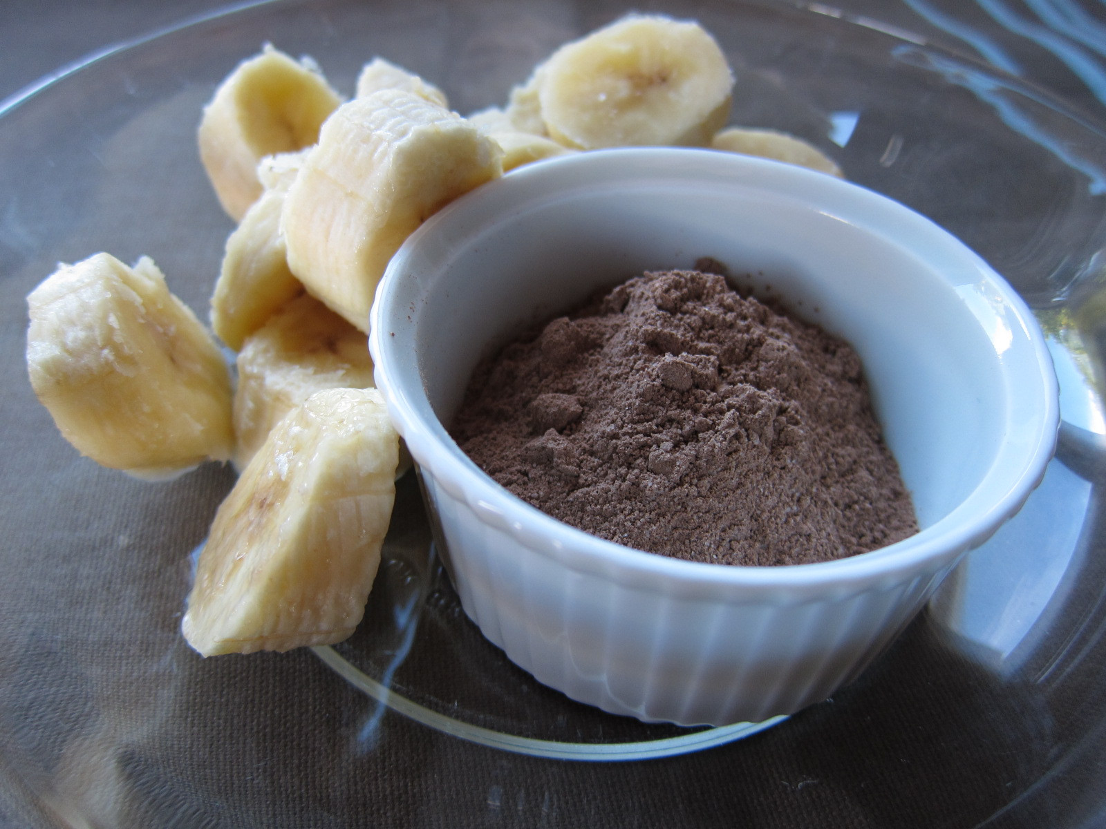 """Desserts With Cocoa Powder  Scrumptious AND Healthy Chocolate Banana """"Ice Cream"""
