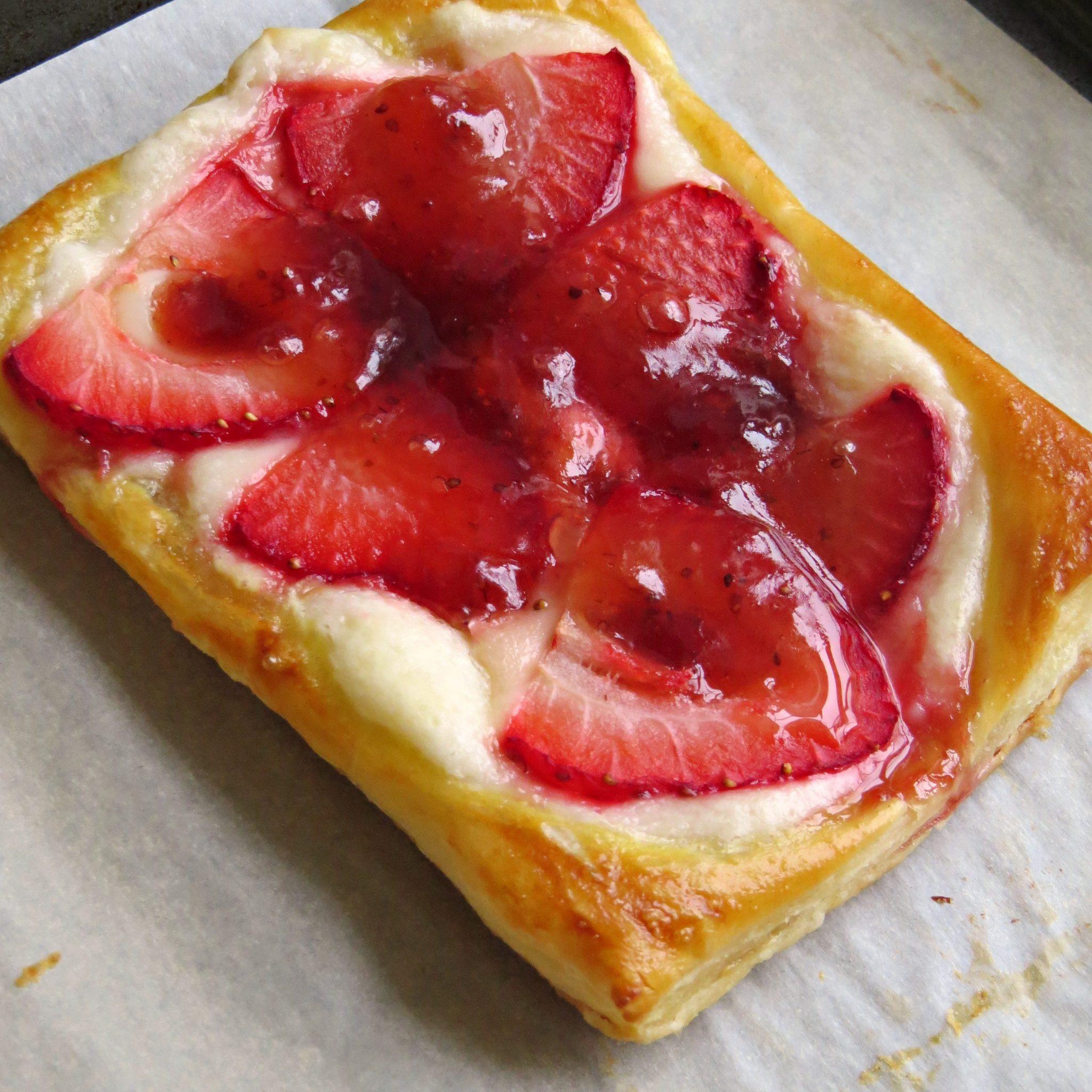 Desserts With Cream Cheese  strawberries and cream cheese dessert