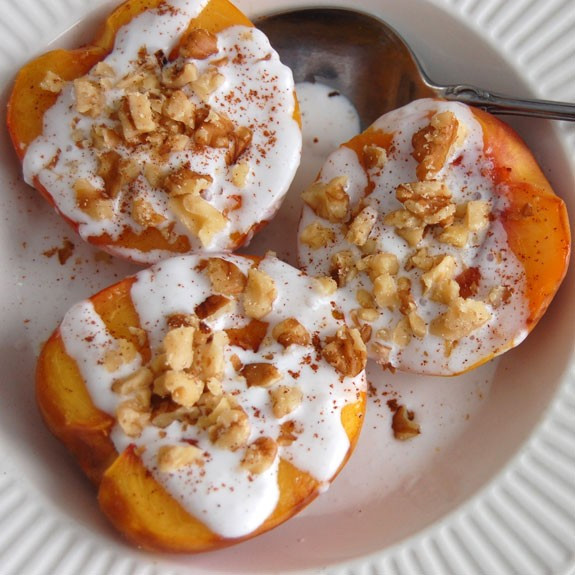 Desserts With Peaches  Paleo Grilled Peaches with Coconut Cream