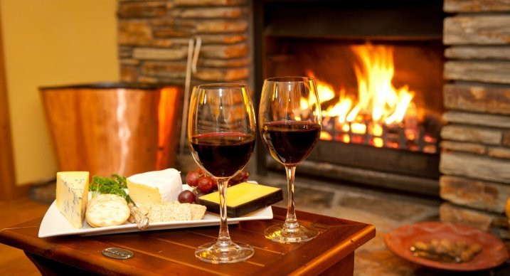 Dinner And Drinks  Wanaka Springs Lodge Rates Boutique Hotel Luxury B&B Lodge