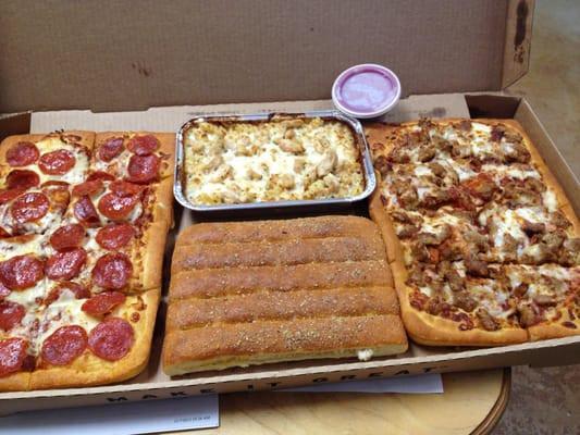 """Dinner Box Pizza Hut  Pizza Hut s """"Big Dinner Box"""""""
