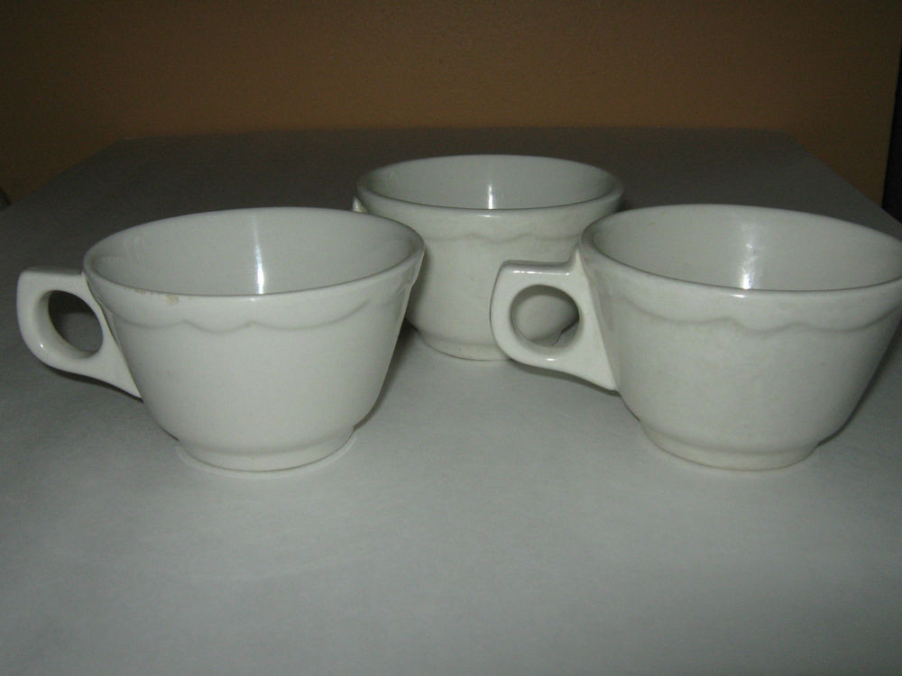 Dinner Coffee Mugs  Lot of 3 Vintage HEAVY THICK Ultima Diner Restaurant