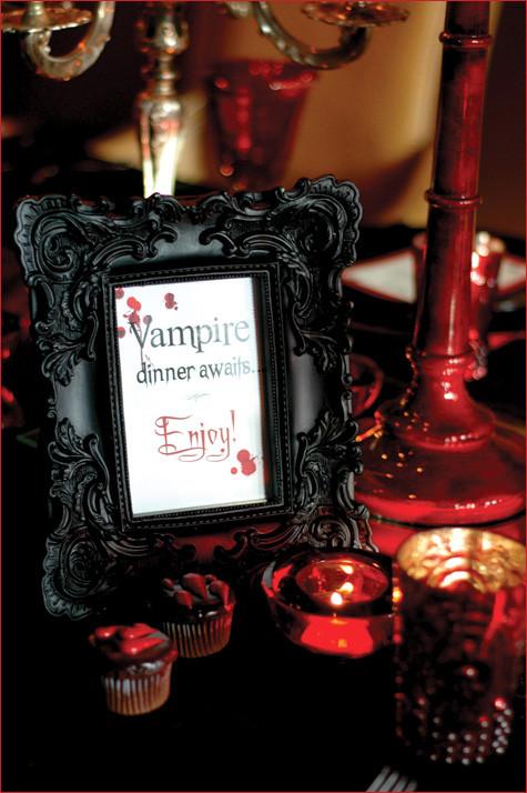 Dinner For Vampire  Roberta Giovaneli Festa Teen Vampiros