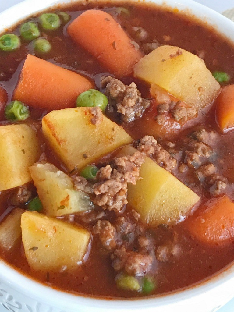 Dinner Ideas With Ground Beef And Potatoes  Slow Cooker Hearty Ground Beef Stew To her as Family