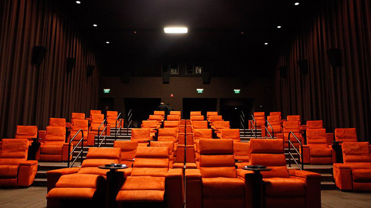 Dinner Movie Theater  Dine in movie theater options for good food and films