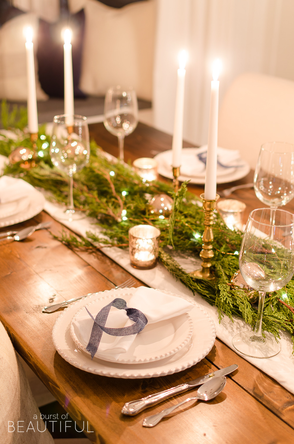 Dinner Table Deco  Christmas Night Tour A Burst of Beautiful