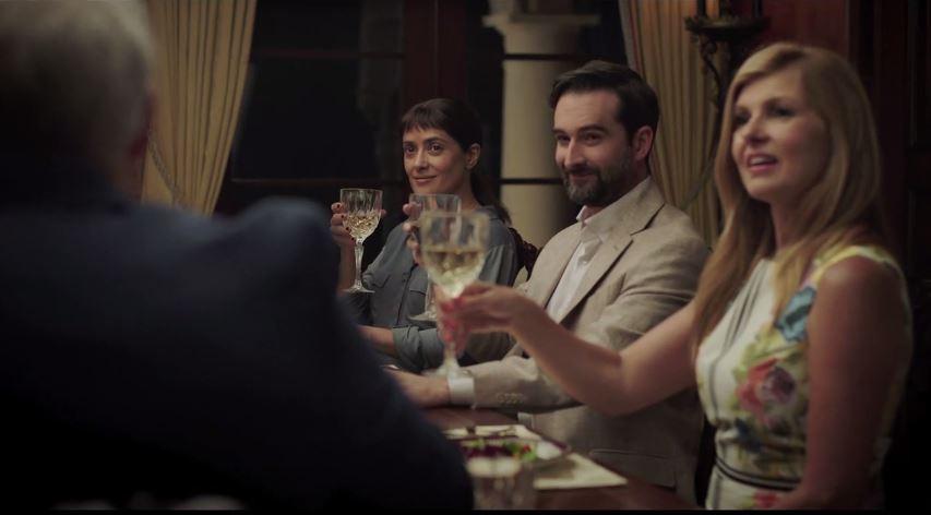 """Dinner With Beatriz  La mesa está puesta con """"Beatriz at Dinner"""""""