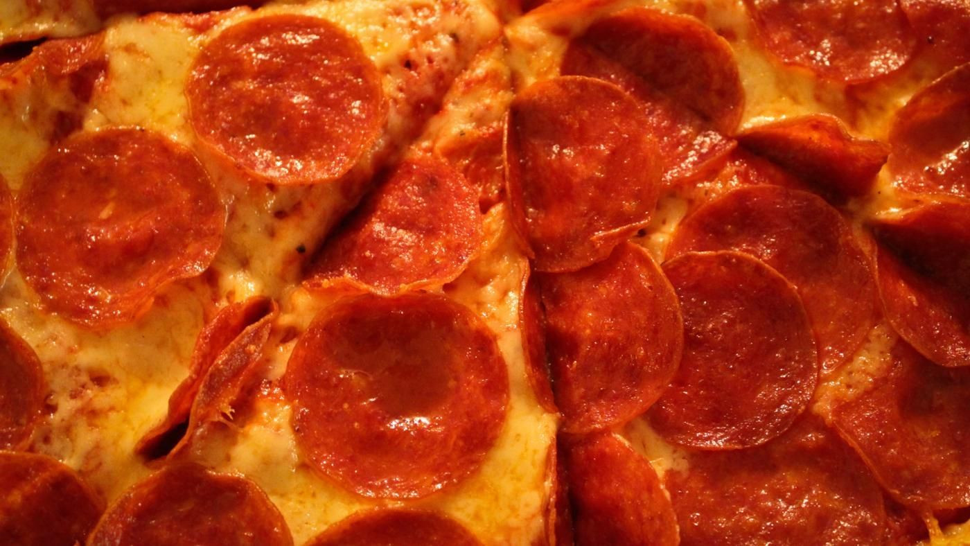 Domino'S Pepperoni Pizza Calories  How Many Calories Are in a Slice of Pepperoni Pizza