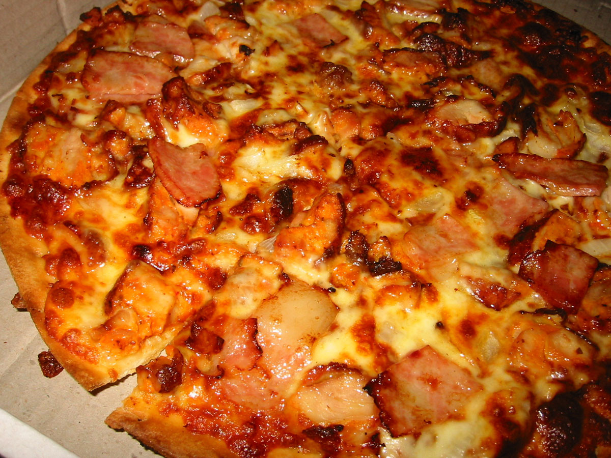 Dominos Bbq Chicken Pizza  BBQ Chicken and Bacon pizza from Dominos a photo on