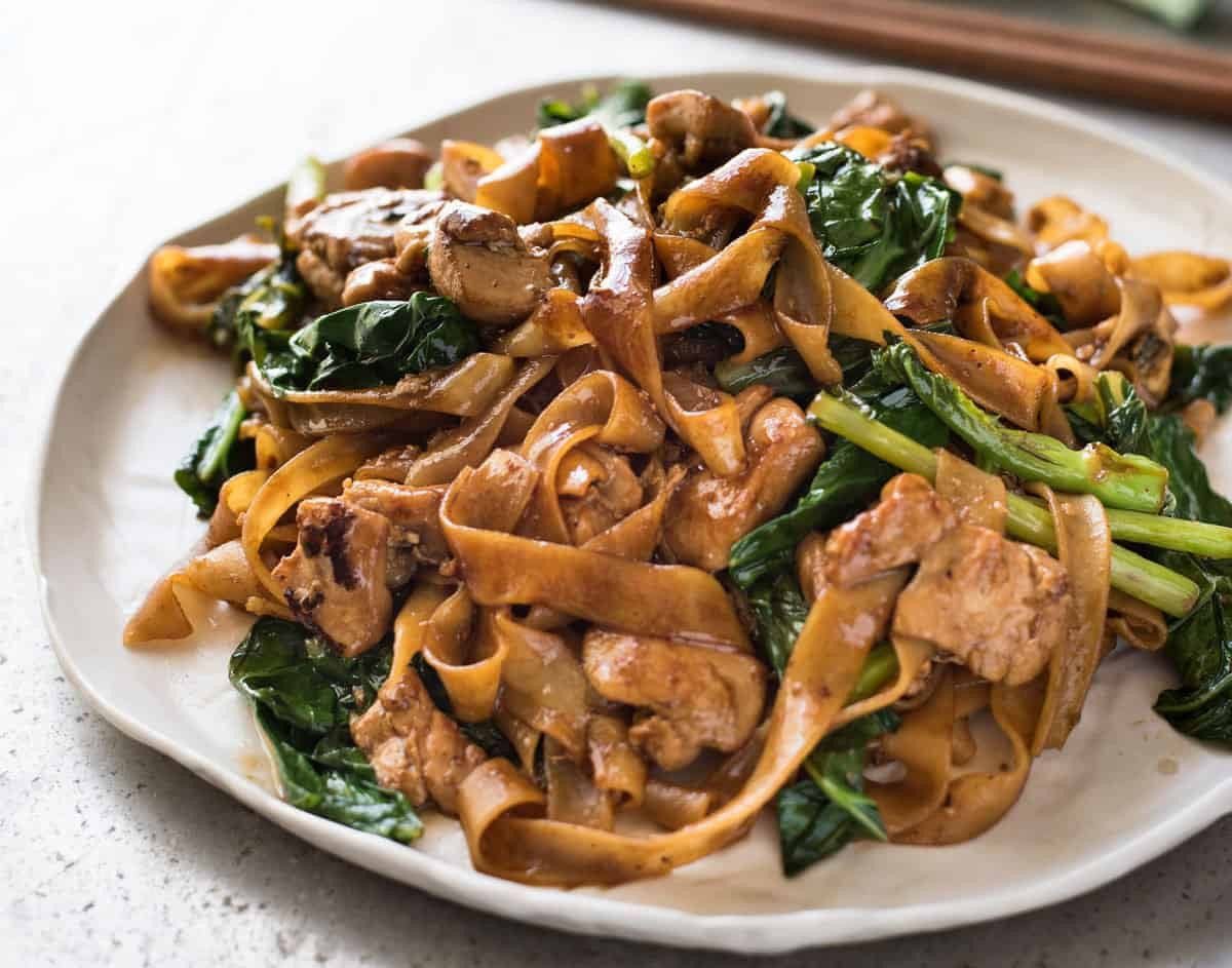 Drunken Noodles Vs Pad Thai  Pad See Ew Thai Stir Fried Noodles