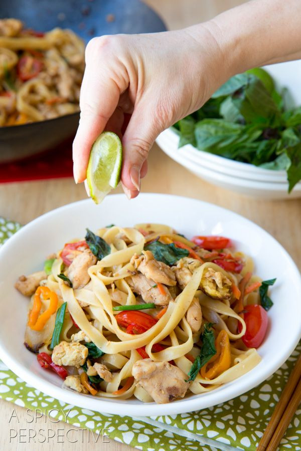 Drunken Noodles Vs Pad Thai  1000 ideas about Drunken Noodles on Pinterest