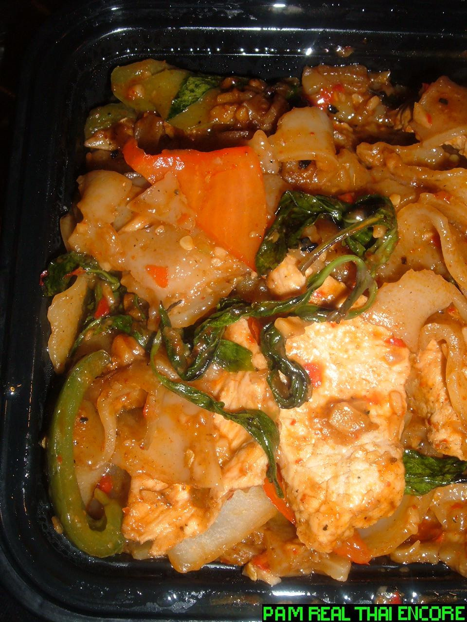 Drunken Noodles Vs Pad Thai  Midtown Drunken Noodle Showdown Topaz vs Pam Real Thai
