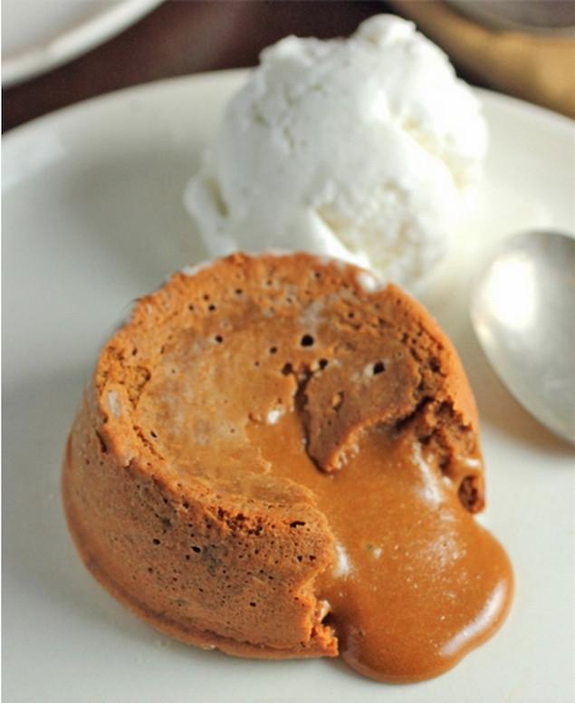 Dulce De Leche Desserts  Dulce de Leche Molten Lava Cakes