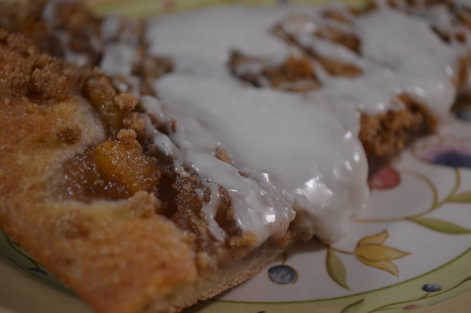 Easy Apple Desserts  Homemade Apple Pie Filling and Easy Apple Dessert Pizza