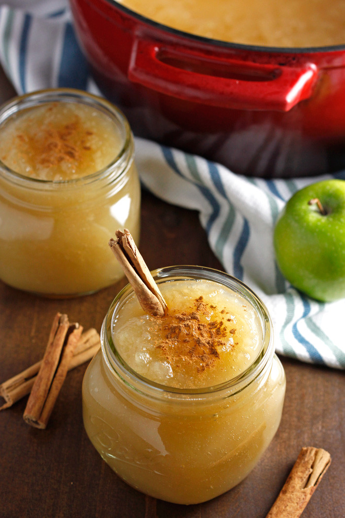 Easy Applesauce Recipe  Homemade Applesauce A Hanukkah Giveaway – Pass the Challah