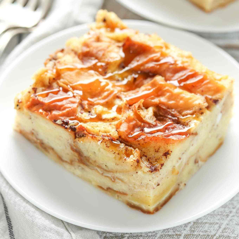 Easy Bread Pudding Recipe  Grandma s Bread Pudding