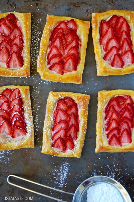 Easy Breakfast Pastries  5 Ingre nt Strawberry Breakfast Pastries