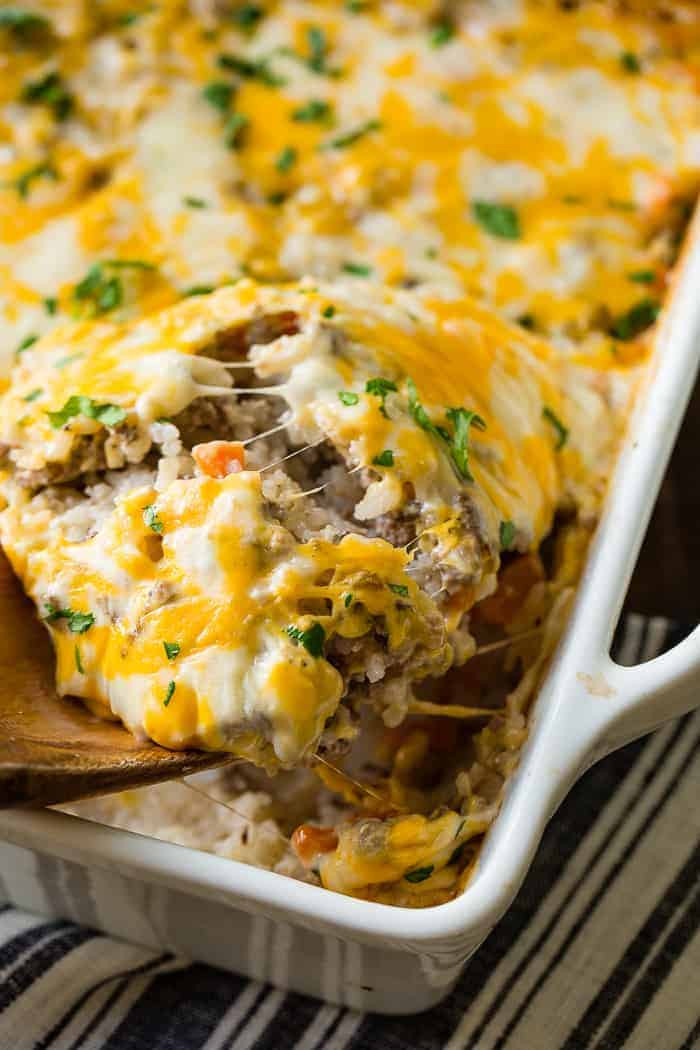 Easy Casseroles For Dinner  Cheesy Ground Beef and Rice Casserole
