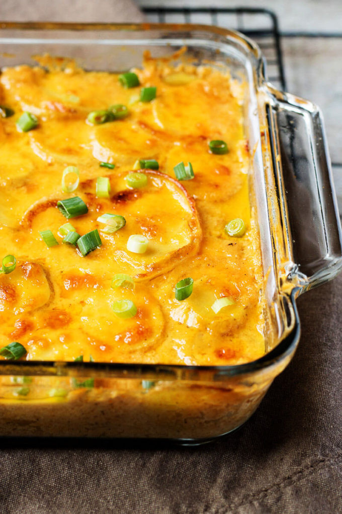 Easy Cheesy Scalloped Potatoes  Easy Cheesy Scalloped Potatoes Easy Peasy Meals