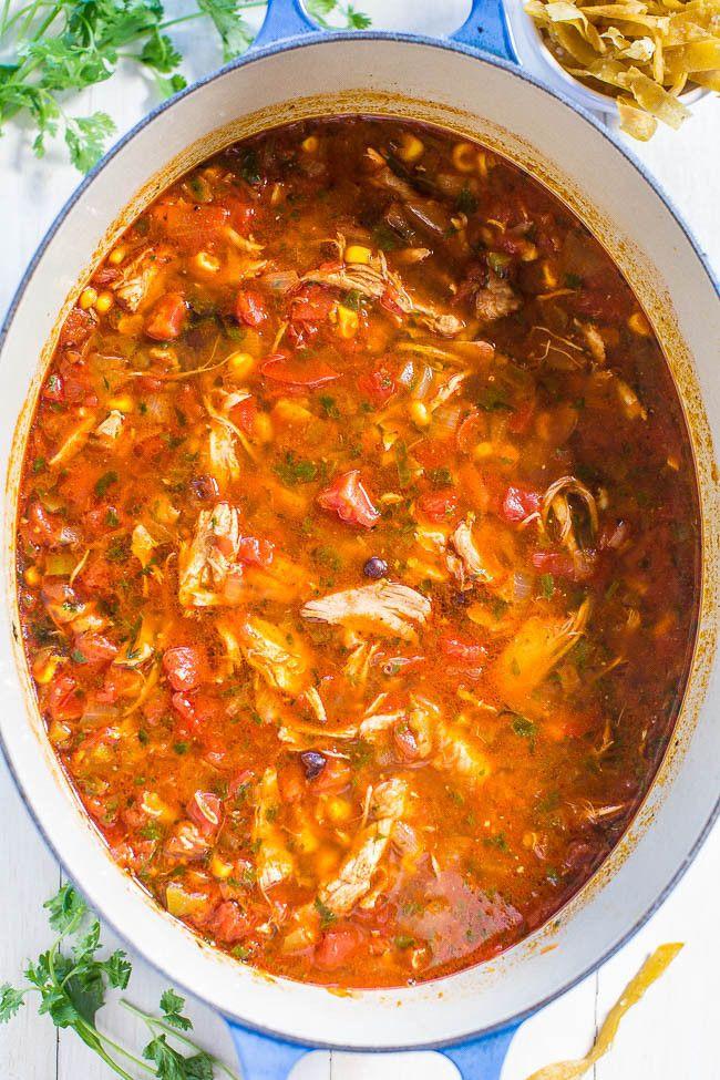 Easy Chicken Tortilla Soup Recipe  De 25 bedste idéer inden for Chicken tortilla soup på